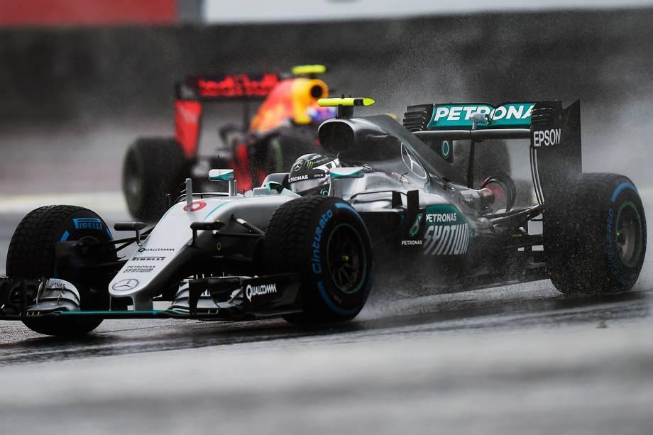 O piloto Nico Rosberg, da equipe Mercedes,durante o Grande Prêmio do Brasil de Fórmula 1, realizado no Autódromo de Interlagos - 13/11/2016