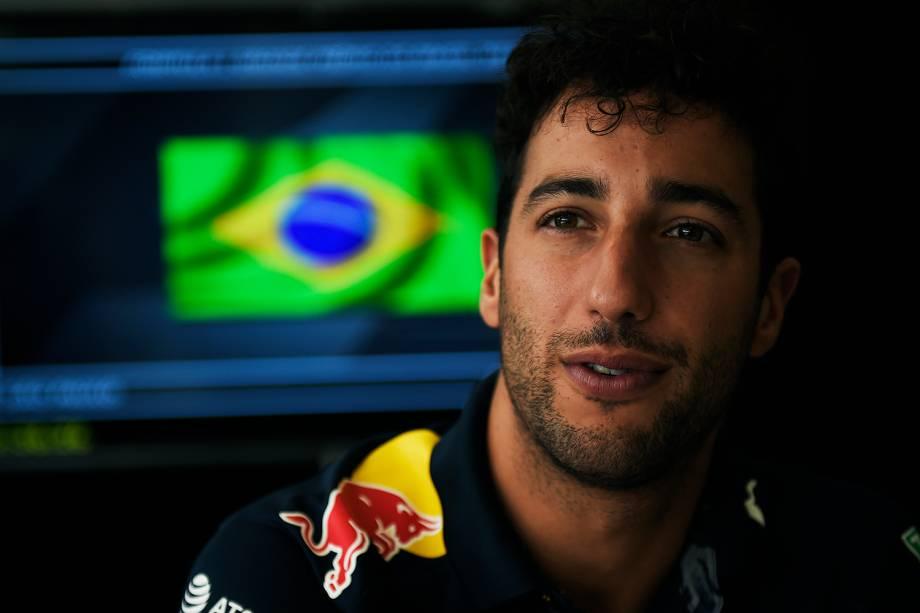 O piloto australiano Daniel Ricciardo, da equipe Red Bull, durante os preparativos para o Grande Prêmio do Brasil de Fórmula 1 - 10/11/2016