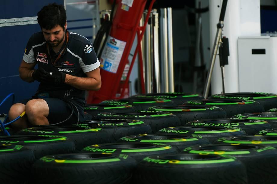 Movimentação no Autódromo de Interlagos durante os preparativos para o Grande Prêmio do Brasil de Fórmula 1 - 10/11/2016