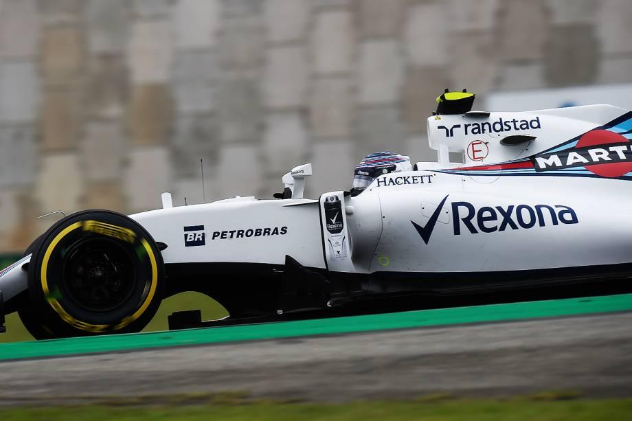 O piloto Valtteri Bottas, da equipe Williams, durante o treino classificatório para o Grande Prêmio do Brasil de Fórmula 1, realizado no Autódromo de Interlagos, zona sul de São Paulo (SP) - 12/11/2016