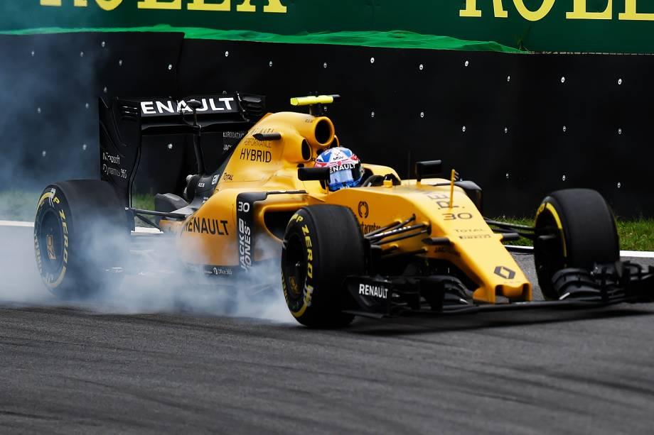 O piloto Jolyon Palmer, da equipe Renault, durante o treino classificatório para o Grande Prêmio do Brasil de Fórmula 1, realizado no Autódromo de Interlagos, zona sul de São Paulo (SP) - 12/11/2016