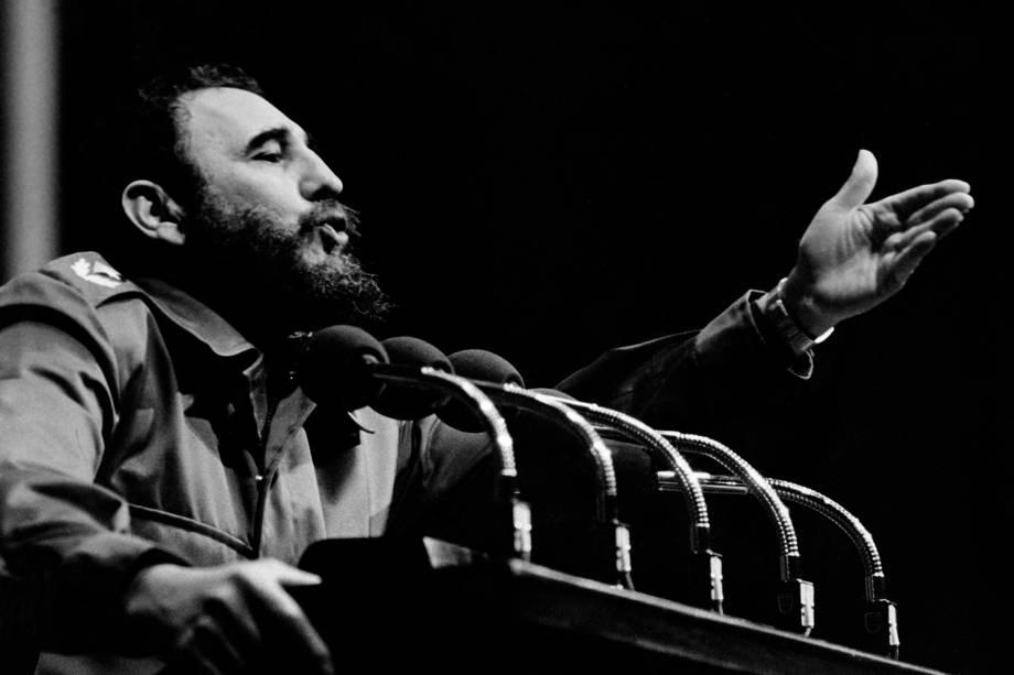 Fidel Castro, então presidente de Cuba, discursa em evento do partido comunista cubano em 1970, em Havana