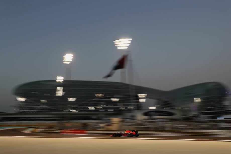 Holandês Max Verstappen compete Grand Prix de Formula 1 no circuito Yas Marina, em Abu Dhabi, Emirados Árabes - 27/11/2016
