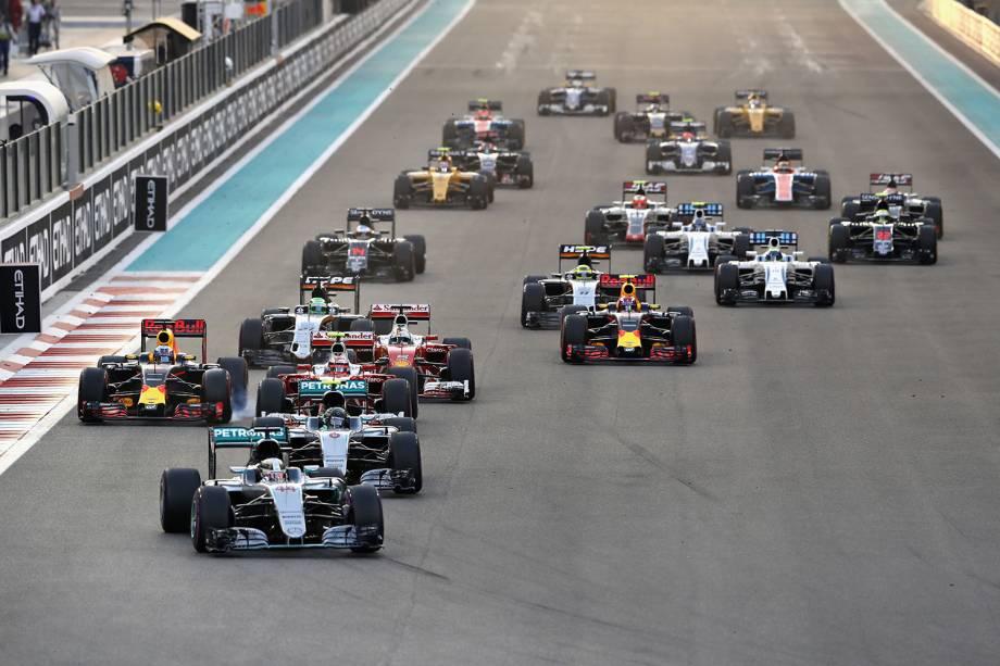 Lewis Hamilton, Nico Rosberg, Daniel Ricciardo , Sebastian Vettel, Max Verstappen e outros pilotos competem pelo Grand Prix de Formula 1 em Abu Dhabi, Emirados Árabes - 27/11/2016