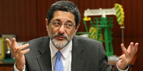 Gabrielli: há pouco mais de um ano, em respostra a este blog, ele afirmou que Petrobras havia conseguido desconto (!!!) na compra da refinaria de Pasadena