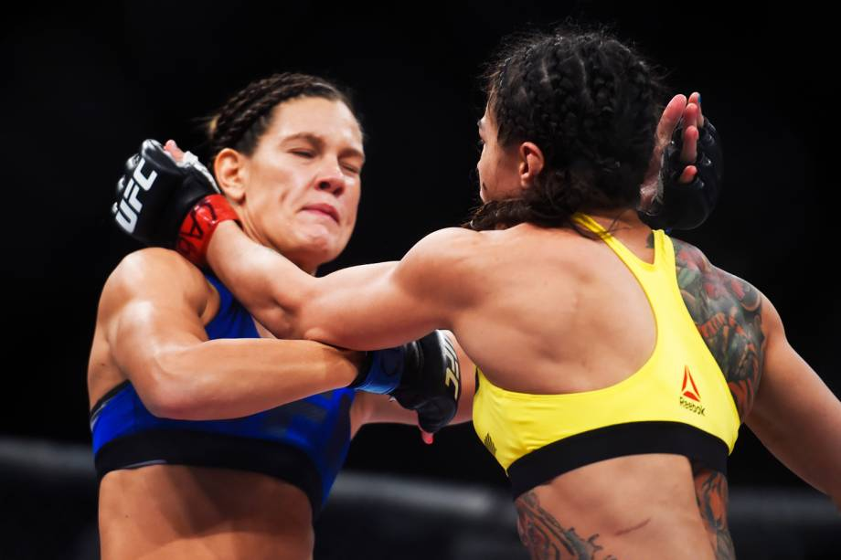 Cláudia Gadelha enfrenta Cortney Casey na quarta luta do card principal do UFC Fight Night, realizado no Ginásio do Ibirapuera, em São Paulo (SP) - 19/11/2016