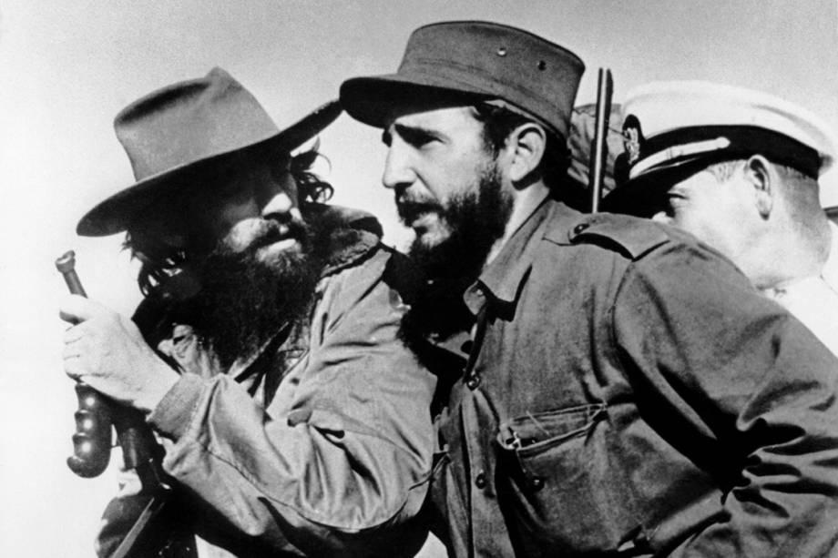 Foto de 1959 mostra Fidel Castro e Camilo Cienfuegos entrando em Cuba logo após a vitória contra as forças de Fulgencio Batista