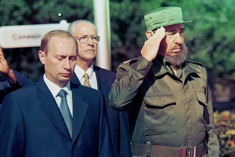 Fidel Castro e Vladimir  Putin se encontram durante uma visita do russo, no Palácio da Revolução, no ano de 2000
