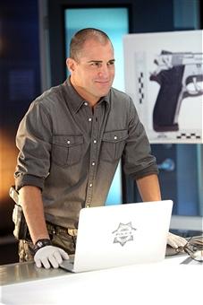 Georege Eads em 'CSI' (Foto: CBS)