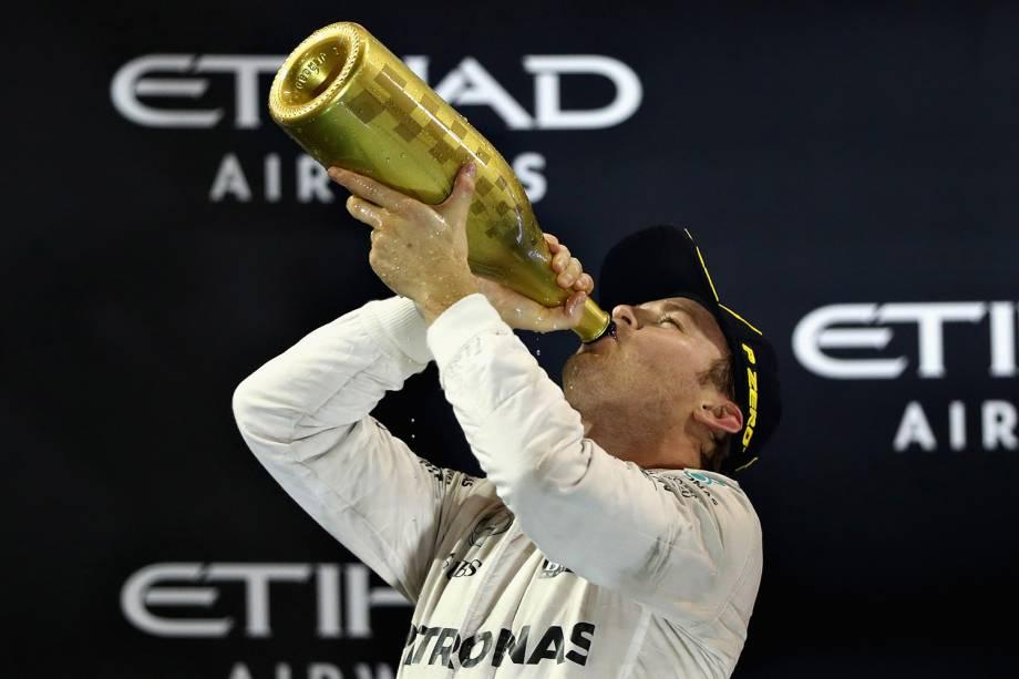 Alemão Nico Rosberg comemora título da Formula 1 em Abu Dhabi - 27/11/2016