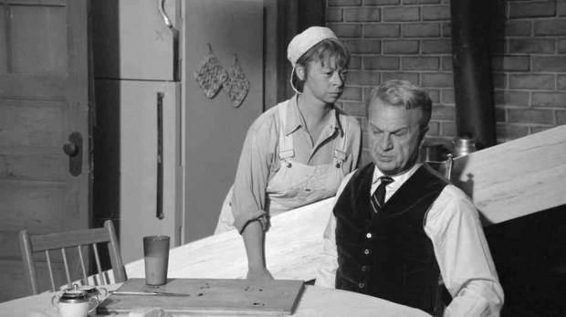 Mary e Eddie Albert em 'O Fazendeiro do Asfalto' (Foto: