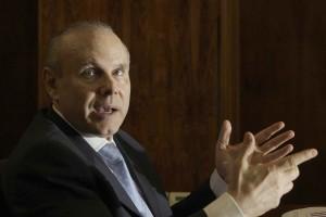 Mantega: divergência de metodologia com o Fundo Monetário Internacional