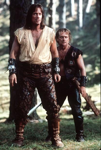 (E-D) Kevin Sorbo e Michael Hurst em 'Hércules' (Fotos: Universal/Arquivo)