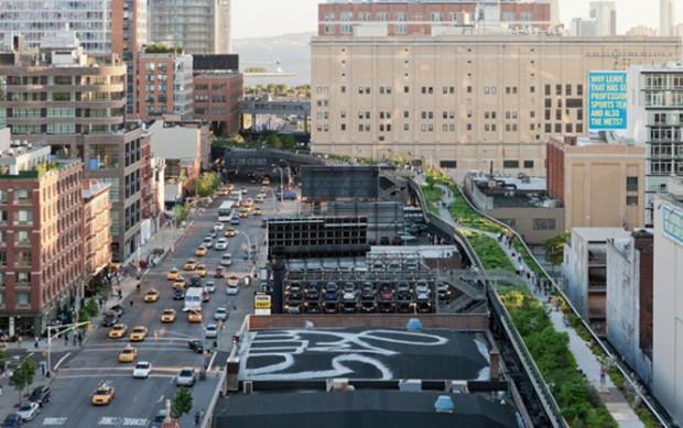 O parque High Line, de Nova York, construído em uma linha férrea suspensa desativada