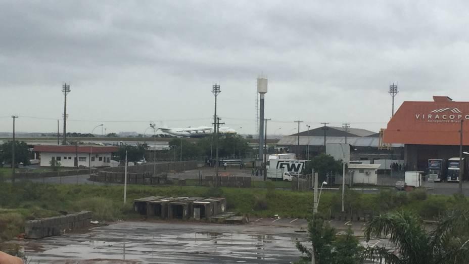 Maior avião do mundo aterrissa no Brasil nesta segunda-feira