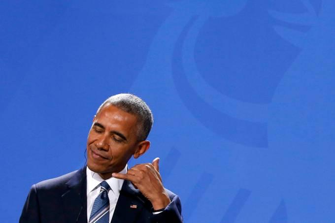 Imagens do dia – Barack Obama gesticula durante coletiva de imprensa em Berlim, na Alemanha