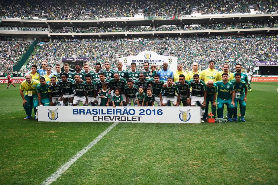 <span>Jogadores do Palmeiras durante partida contra a Chapecoense no Allianz Parque, em São Paulo</span>