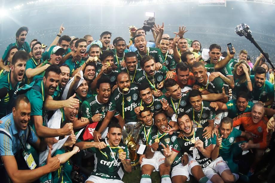 Time do Palmeiras comemora título do Campeonato Brasileiro no estádio Allianz Parque