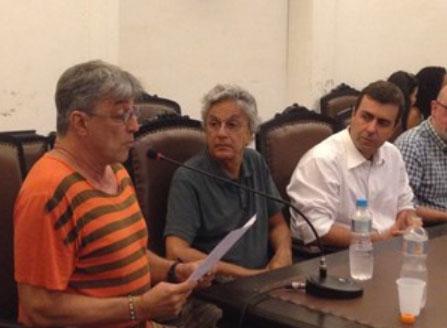Ivan Lins e Caetano Veloso no ato de desagravo a Freixo. Não se disse uma palavra de solidariedade à família de Santiago Andrade