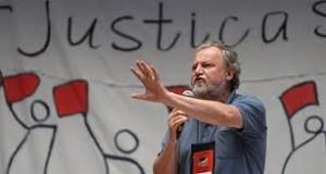 ... João Pedro Stedile, do MST, substituam o Parlamento e deem os rumos do Estado. Quem os elegeu para isso?