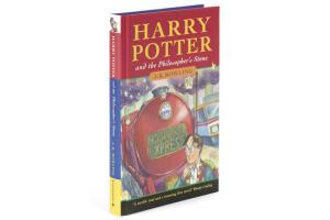 Primeira edição do livro Harry Potter e a Pedra Filosofal vai para leilão