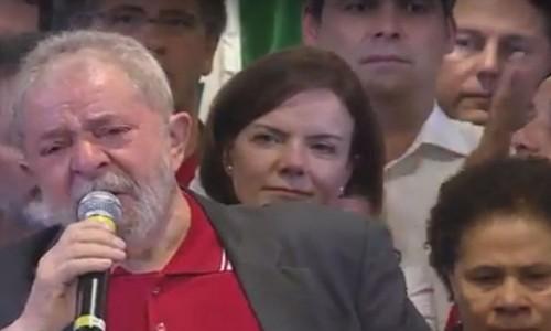 Lula à frente de Gleisi Hoffmann (com novo cabelo) e Lindbergh Farias: mais esperneio