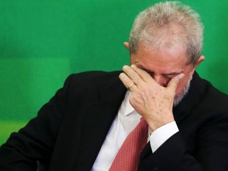 Lula lamenta