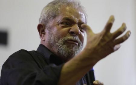 Lula reu