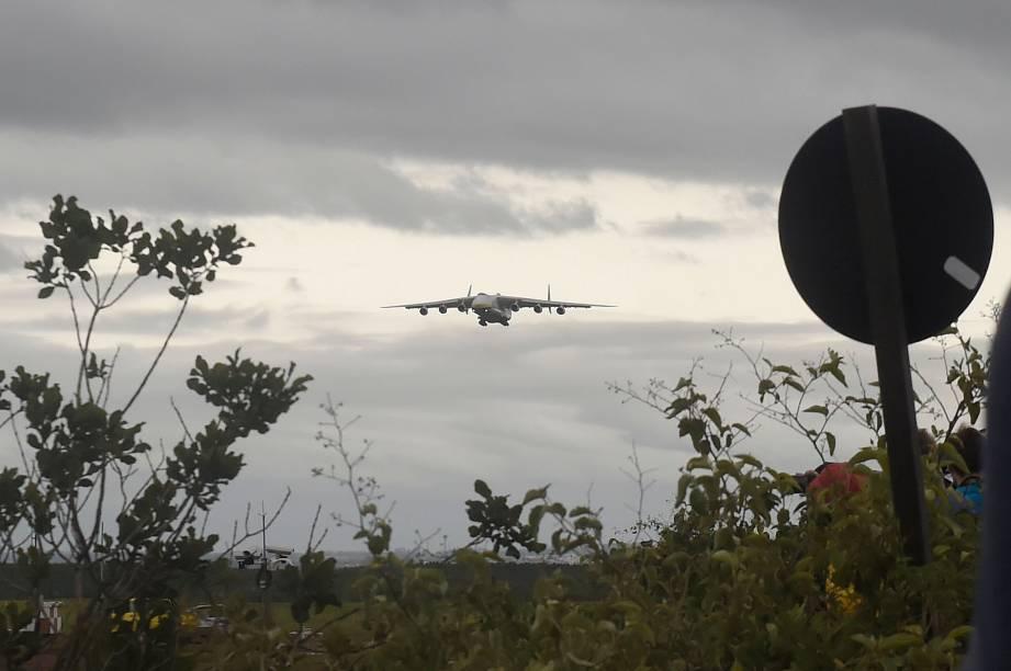 Maior avião do mundo chega no Brasil, no aeroporto de Viracopos, em Campinas - 14/11/2016
