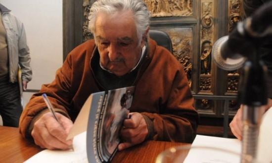 Mujica livro 2