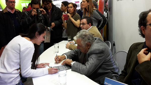 Mujica livro