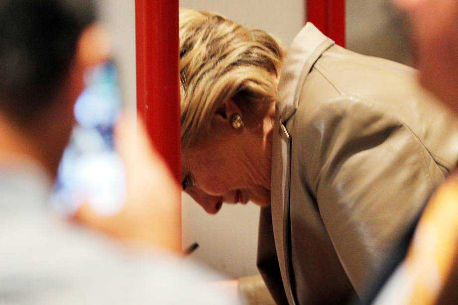 A candidata democrata à Presidência dos Estados Unidos, Hillary Clinton, vota na Escola primária de Grafflin, em Nova York - 08/11/2016
