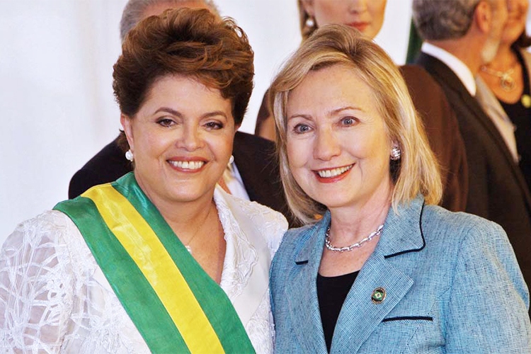 Dilma Rousseff com Hillary Clinton durante a posse para o primeiro mandato, em Brasília (DF) - 01/01/2011