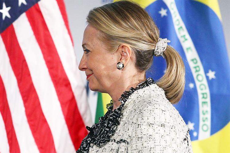 A secretária de Estado dos Estados Unidos, Hillary Clinton, discursa na Câmara de Comércio Americana em Washington - 09/04/2012