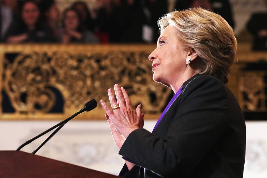 A democrata Hilary Clinton realiza discurso no New Yorker Hotel, em Nova York, após ser derrotada pelo republicano Donald Trump nas eleições presidenciais - 09/11/2016