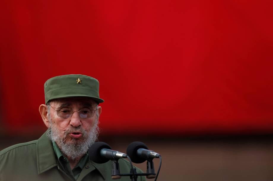 O ex-ditador cubano Fidel Castro fala durante as celebrações do 50º aniversário da criação dos Comitês para a Defesa da Revolução (CDR) em Havana em setembro de 2010