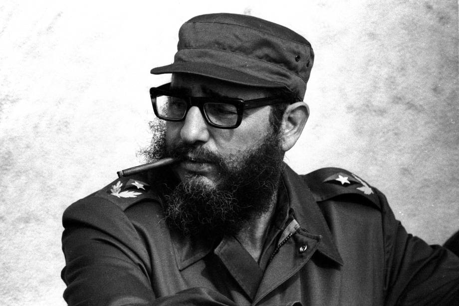 O então primeiro-ministro cubano Fidel Castro durante o 19º aniversário de sua chegada aos seus companheiros revolucionários no iate Granma, em Havana, em novembro de 1976