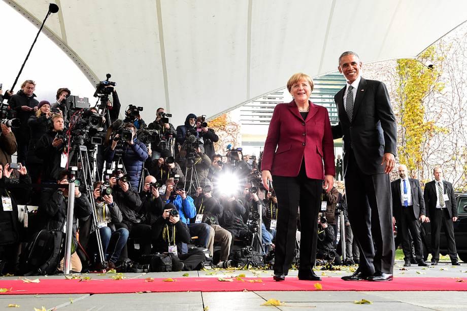 A chanceler alemã Angela Merkel e o presidente dos EUA Barack Obama, antes da reunião dos chefes de estado em Berlim, Alemanha - 18/11/2016