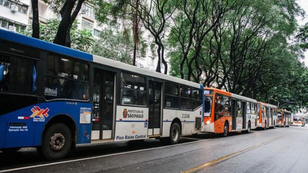 Ônibus na rua da Consolação, em São Paulo (Caio Palazzo/VEJA)