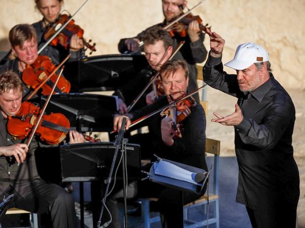 Bálsamo no deserto: Gergiev conduz a orquestra e a manobra de Putin
