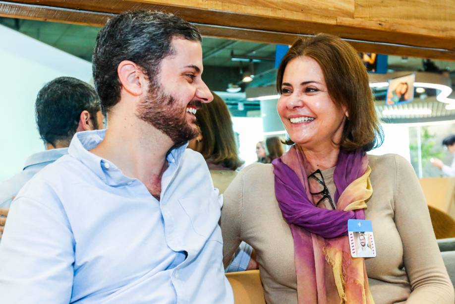 Funcionários do Linkedin levam os pais para conhecer a empresa durante o 'Parents Day'