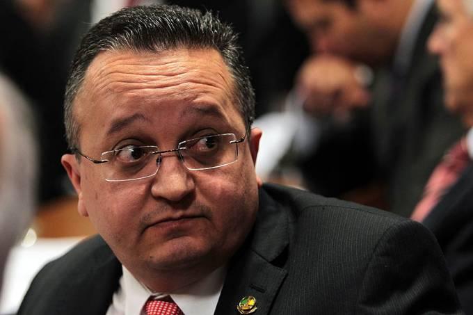 CPI do Cachoeira pede explicações por escrito ao procurador Gurgel