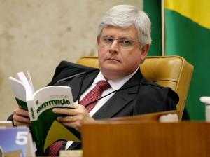 Rodrigo-Janot-e-a-Constituição-Abr