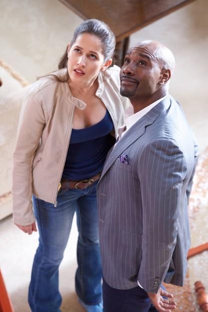 Jaina Lee Ortiz e Morris Chestnut. (Foto: Tyler Golden/FOX)