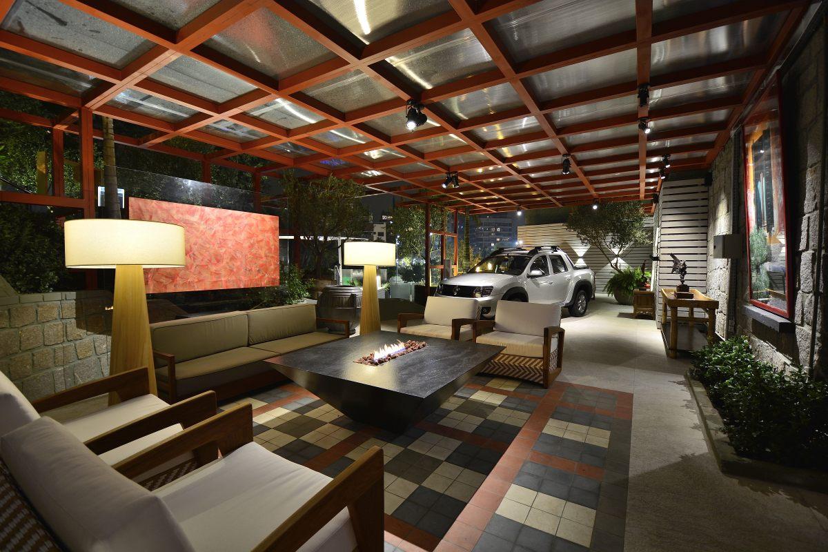 Em todas praças de CASACOR, a inspiração dos arquitetos para criar a garagem foi a picape Duster Oroch, da Renault