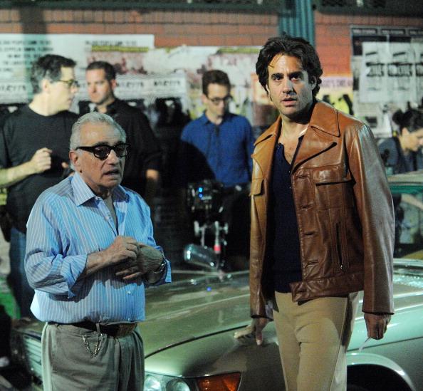 (E-D) Scorsese e Cannavale nos bastidores de produção do episódio piloto produzido para avaliação (Foto: Bobby Bank/GC Images).