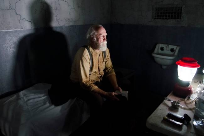Hershel Greene e sua Bíblia em 'The Walking Dead'
