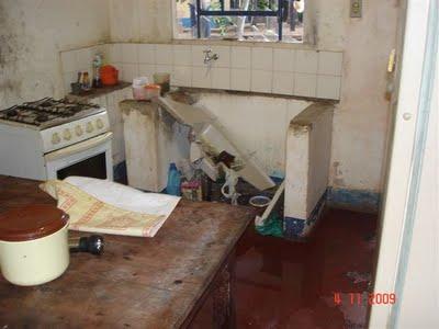 A cozinha da casa de um dos funcionários