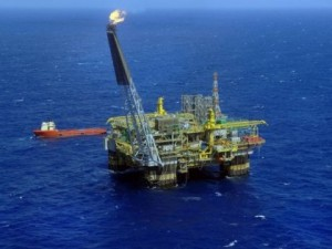 Petróleo: déficit só cresce