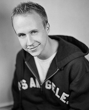 Benjamin em foto mais recente (via IMDB)
